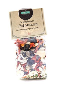 Dried spices mix for puttanesca sauce.Perfect for cooking typical spaghetti of Sicilian cuisine #puttanesca #sicily #condiment #spices #pasta #siciliancuisine #recipes