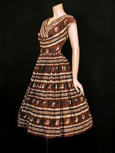 1950s batik dress Vintage 1950s Dresses, Vintage Outfits, Vintage Fashion, Batik Fashion, Fashion Fabric, Textiles, Batik Dress, Contemporary Fashion, Style Inspiration