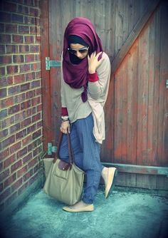 crop jeans grey oversize jersey plum scarf