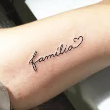 Resultado de imagem para tatuagens com o nome familia