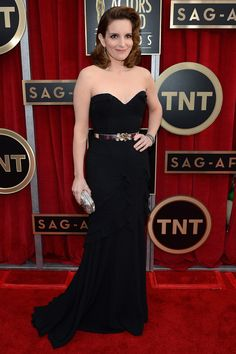 Tina Fey in Oscar de la Renta - love the belt detail! #SAGAwards 2013                                                 youtube mp3