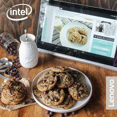 Gli ingredienti per cookies perfetti? Farina, latte, uova, gocce di cioccolato e... i consigli della tua foodblogger preferita a portata di clic! #Lenovo #YOGATablet2Pro