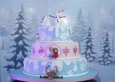 Enquanto aguardo as fotos quentinhas de uma festa Frozen bem bacana para mostrar aqui no blog, resolvi fazer um post com inspirações de um bolo Frozen para