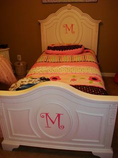 Uppercase Living Expression   Add the first letter to your girl or boys headboard and footboard. So cute!