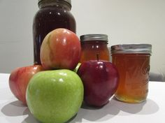 Rosh Hashanah, the Jewish New Year, is on September 14 and Send free Rosh Hashanah cards to friends and family courtesy of Jewish Boston! Apple Dip, Apple Slices, Rosh Hashanah Cards, Jewish Hanukkah, Control Cravings, Thing 1, Tortellini, Learn French, Sweet Recipes