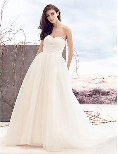 A-vonalú Szív-alakú Udvari uszály Tüll Esküvői ruha val vel Gyöngydíszítés Cakkos által LAN TING BRIDE®