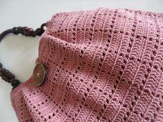 Paciuga, Brega e Imbelina: Il punto a quadretti: come fare la borsa e il vestito traforato all'uncinetto