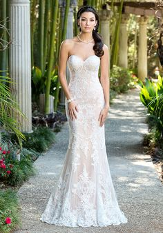 Strapless Sweetheart Lace Sheath Gown | Ivoire by Kitty Chen Samantha V1606 | http://trib.al/4AWYEkX