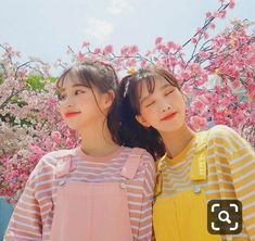 Ulzzang girl friends Pink and yellow Mode Ulzzang, Ulzzang Korean Girl, Cute Korean Girl, Ulzzang Couple, Asian Girl, Ulzzang Style, Couple Girls, Foto Best Friend, Ulzzang Girl Fashion