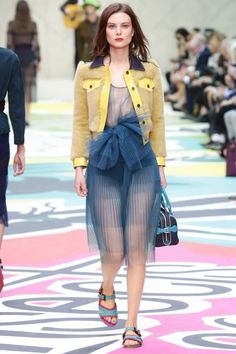 Burberry Prorsum Ready To Wear Spring Summer 2015 London ---> Another jelly nail polish wishlister!!!