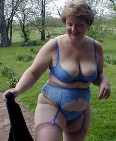 Sexy Older Women, Old Women, Sexy Women, Vintage Lingerie, Sexy Lingerie, Suspender Bumps, Granny Love, Old Mature, Big Girl Fashion