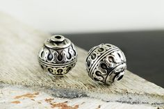 Boho Beads 15mm,Antique Silver Large Spacer Beads, Ethnic Patterned, Bali Style Round Ball Beads, Slider Beads, 2 pieces