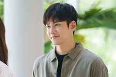 Ji Chang Wook Smile, Ji Chan Wook, Seo Jin, Protective Boyfriend, Korean Drama Movies, Korean Dramas, Suspicious Partner, Handsome Korean Actors, Park Jin Young