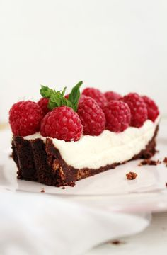 ... coconut tart with raspberries ...