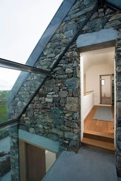 Beautiful Stone Cottage – sleeps beside beach – Häuser … – Stone House Stone Cottages, Stone Houses, Architecture Design, Cottage Extension, Beach Houses For Rent, House For Lease, Casa Patio, English Country Decor, French Country