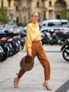Milan Men's Fashion Week, Spring Fashion, Autumn Fashion, Colorful Outfits, Dior Couture, Leonie Hanne, Braut Make-up, Mode Inspiration, Fashion Outfits