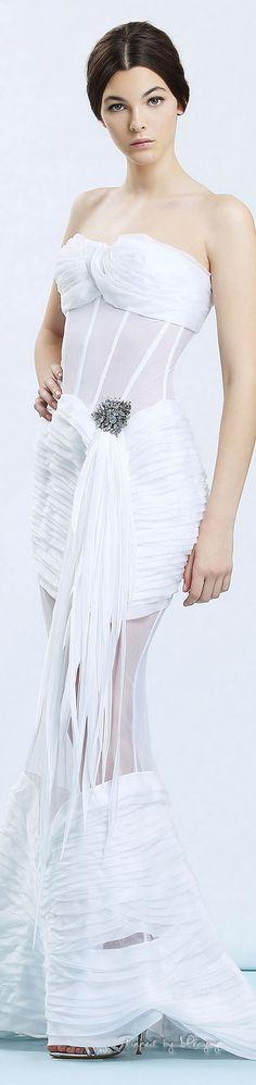 Pinterest: descubre y guarda ideas creativas White Gowns, White Dress, White Chic, Classic White, Ermanno Scervino, Haute Couture Fashion, White Fashion, Beautiful Gowns, Latest Fashion Clothes