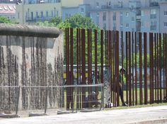 Mauer - Denkmal, Berlin  http://www.art-in-berlin.de  #berlin #art #cool #onfeedback