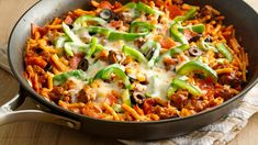 Pizza Pasta Skillet Ready, set, go! Pizza flavors wrap up a skillet meal in just 30 minutes! Best Pasta Recipes, Beef Recipes, Dinner Recipes, Cooking Recipes, Skillet Recipes, Dinner Ideas, Meal Ideas, Chicken Recipes, Recipies