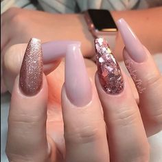 Opting for bright colours or intricate nail art isn't a must anymore. This year, nude nail designs are becoming a trend. Here are some nude nail designs. Cute Nail Designs, Acrylic Nail Designs, Acrylic Nails, Coffin Nails, Gel Nail, Nail Polish, Prom Nails, Long Nails, Wedding Nails