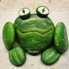 Frog #malpåsten#stenelene#sten#paintedstones#stones#rockpainting#rocks#frog#thisiswhatido#thisiswhatilove