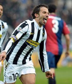 Alessandro del Piero. Pese a no poseer un gran fisico, es uno de los mejores delanteros de la historia de Italia