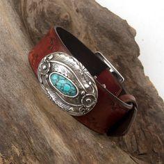 Women leather cuff bracelet Concho screw cuff Tribal by Jullyet Cuff Jewelry, Bullet Jewelry, Geek Jewelry, Gothic Jewelry, Metal Jewelry, Pendant Jewelry, Jewelry Necklaces, Pendant Necklace, Country Jewelry