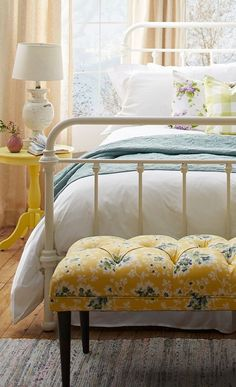 #Bedroom Yellow Bedrooms That Will Make Your Mornings More Energetic  #bedroomsets #color #bed#Yellow #Bedrooms #That #Will #Make #Your #Mornings #More #Energetic