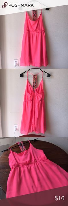 """Neon Orange Dress EUC. Looks great with a tan. Pretty T boho strap I. The back. Elastic at waist. Fully lined. Size Large. Bust 32"""", length 34."""" Bundle & Save! Or make all offers using the offer button. Use the chart in my closet for reference. Color is neon orange/pink. Dresses Mini"""