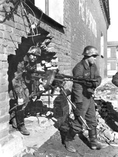 Displacing a MG 34, eastern front 1943