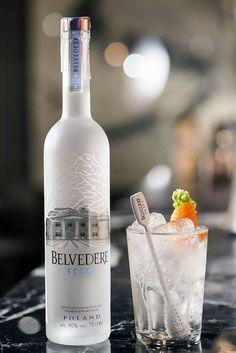 Os presentamos 'Flower Dream Tonic' el vodka tonic con el que #LEGGS participa en el Perfect Serve de Belvedere España.   Os invitamos a que nos votéis y entréis en el sorteo de un Magnum de Belvedere.   #DOBLE #Barcelona #CocktailsAndMusic