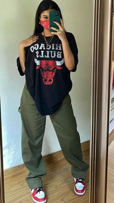 Tomboy Fashion, Teen Fashion Outfits, Retro Outfits, Streetwear Fashion, Swaggy Outfits, Baddie Outfits Casual, Cute Comfy Outfits, Skater Girl Outfits, Swag Outfits For Girls