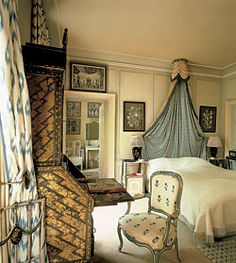 English Country House bedroom   by Nancy Lancaster