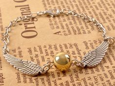 Desperately looking for the ideal gift for your Harry Potter crazed friend? Desperately looking for the ideal gift for your Harry Potter crazed friend? Magical Christmas, Best Christmas Gifts, Christmas Presents, Harry Potter Accesorios, Nerd Jewelry, Golden Snitch, Embroidery Patches, Mischief Managed, Hogwarts