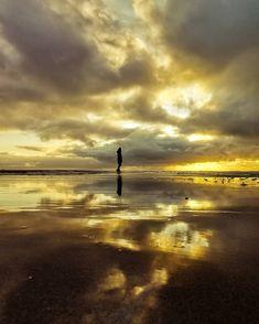 39 vind-ik-leuks, 5 reacties - Boeksz & Fotografie / Peter (@boeksz) op Instagram: 'Het rijtje van Boeksz is vandaag samengesteld door Marco Krebaum (@marcokrebaum) .... een nieuwe…' Celestial, Sunset, Sweatshirt, Outdoor, Instagram, Pattern, Sunsets, Outdoors, Patterns