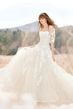 Lace sleeve Wedding Gown, for more visit: www.facebook.com/Gelinligimm