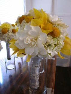 Exquisite Blooms: Yellow and Gray wedding