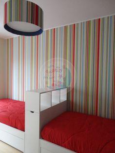 Decoração de interiores. Uma cama versátil e que deixa espaço.