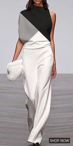 Fashion Jumpsuits Women's fashion jumpsuits, long sleeves desig… Black Women Fashion, Look Fashion, Womens Fashion, Fashion Tips, Fashion Design, Fashion Trends, Elegance Fashion, Petite Fashion, Runway Fashion