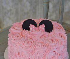 Minnie rosette cake