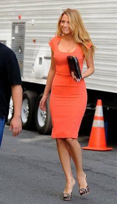 Blake Lively in a tangerine Roland Mouret dress