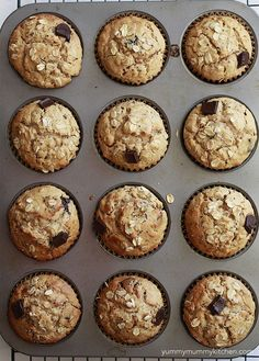 Healthy peanut butter oatmeal muffins [I MADE THIS, so good!!! I halfed the recipe, and added 1/2 tsp vanilla and 1/4 cinnamon. I used a 1/4 cup dark chocolate chips and a 1/4 cup milk chocolate chips.]
