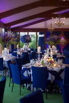 Dramatic blue and white event design {Photography: Cheryl Richards}