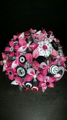 Exemple Ensemble Bouquet mariée Rockabilly de 15 fleurs papier et embellissement tissu et fil de fer avec un bouquet à lancer de 9 fleurs : Loisirs créatifs, scrapbooking par mes-creations-65