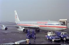 American Airlines Boeing 707-123B N7517A Mexico City-International, August 1975. (Photo: Howard Chaloner)