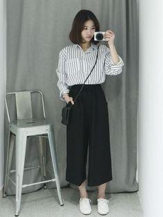 Korean Girl Fashion, Korean Street Fashion, Ulzzang Fashion, Muslim Fashion, Ootd Fashion, Fashion Outfits, Korean Outfits, Retro Outfits, Simple Outfits