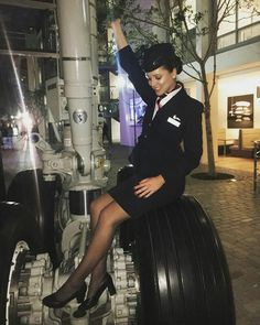 British Airways Cabin Crew, Flight Girls, Pantyhose Legs, Nylons, Delta Flight, Airline Uniforms, Flight Attendant Life, Professional Wear, Europe Packing