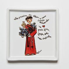 Prato quadrado com tema Santo Antônio!  #handmade #porcelana #porcelanadecorada #porcelanapersonalizada #decoração #decor #pintadoamão #feitoamão #brasil #brazil  #lembrançadoBrasil #homedecor #porcelain #santoantônio #casamenteiro