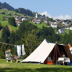 Blik van de camping op Raggal Caravan, Austria, Tour, Outdoor Gear, Places To Go, Wall Pepar, Travelling, Van Camping, Europe