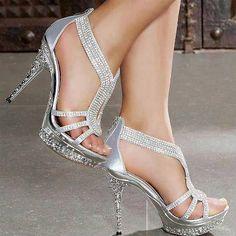 Precioso zapatos para la hermosa novia.
